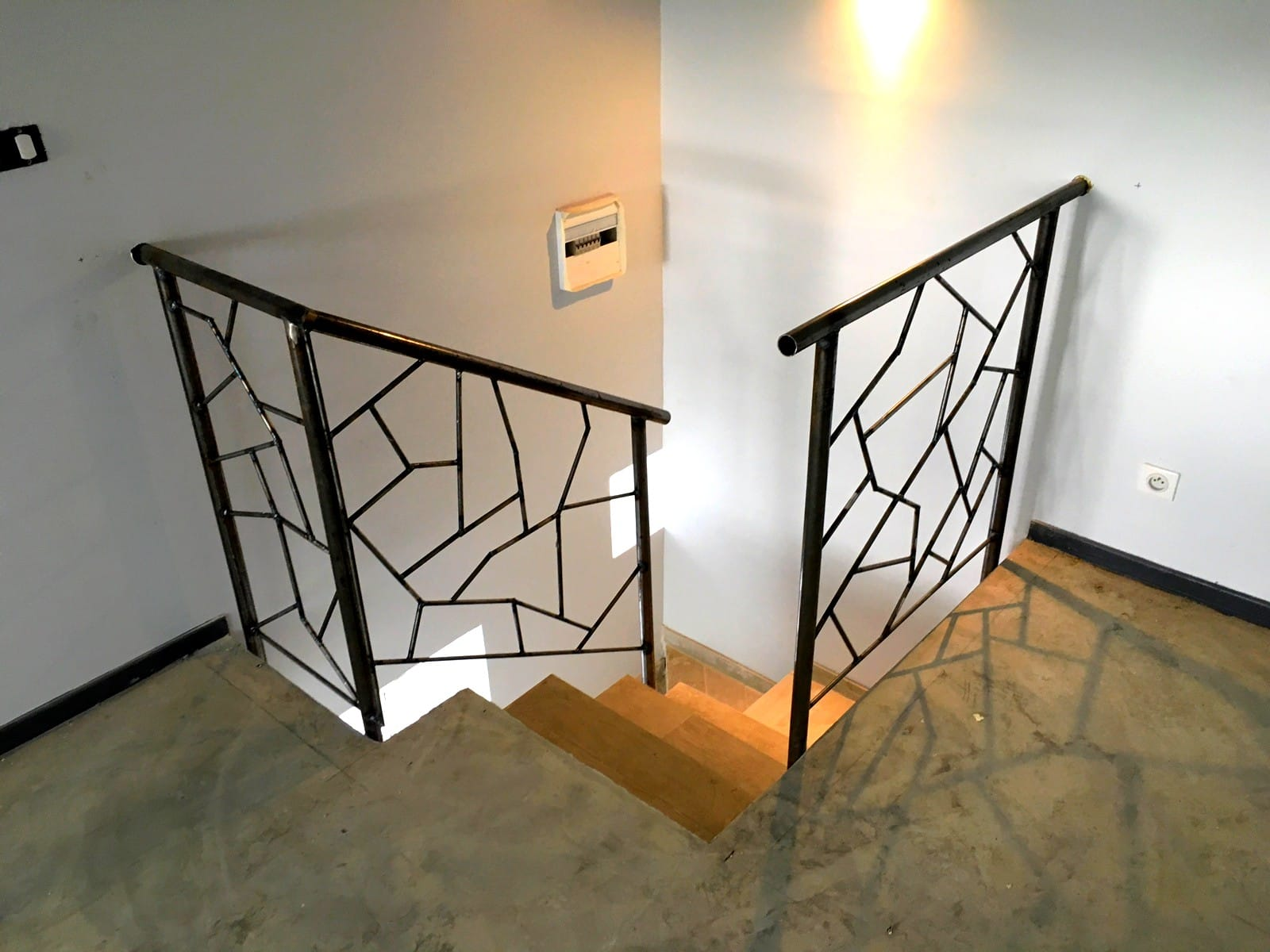 ara 39 nettoyage menus travaux de plomberie soudure peinture serrurerie. Black Bedroom Furniture Sets. Home Design Ideas